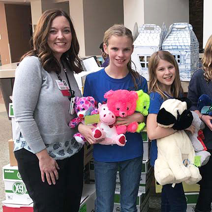 Heritage Elementary Students Donate Hundreds of Stuffed Animals to Local Hospital